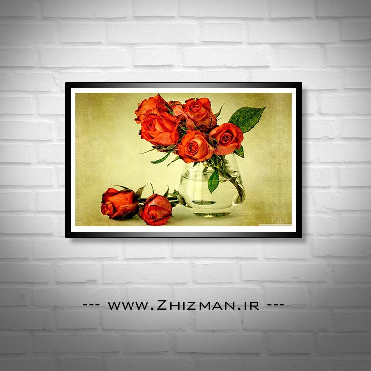 عکس گل رز قرمز در گلدان شیشه ای